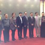 加中工商联主席滕达(左三)率代表团与中国侨联主席林军(左四)合影留念
